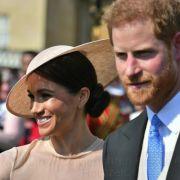 Herzogin Meghan trug ein zauberhaftes Ensemble und Strumpfhosen - ganz nach den Regeln der Queen.