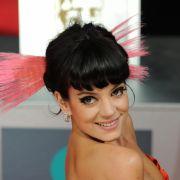 Versext! Popstar zeigt sich schamlos ohne Höschen (Foto)