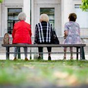 Beängstigende Studie! So extrem stürzen deutsche Renten ab (Foto)
