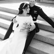 Prinz Harry und Meghan auf ihren offiziellen Hochzeitsfotos.