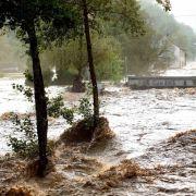 Katastrophenalarm! Frau schwebt nach Blitzschlag in Lebensgefahr (Foto)