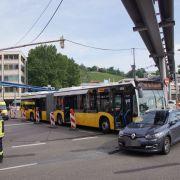 Mehrere Verletzte nach Unfall mit Linienbus (Foto)