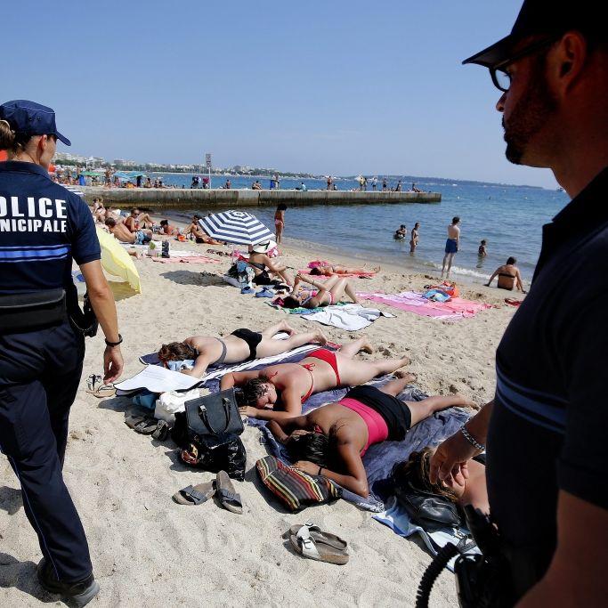Unfassbar! Polizist schlägt Frau am Strand brutal zusammen (Foto)