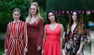 Sophie (Lea Marlen Woitak), Maren (Eva Mona Rodekirchen), Shirin (Gamze Senol) und Emily (Anne Menden) auf Mallorca im GZSZ-Special. (Foto)