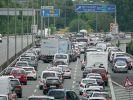 Ein Elternpaar hat seine achtjährige Tochter versehentlich auf einer Autobahnraststätte vergessen (Symbolbild). (Foto)