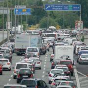 Eltern vergessen achtjährige Tochter auf Autobahnparkplatz (Foto)