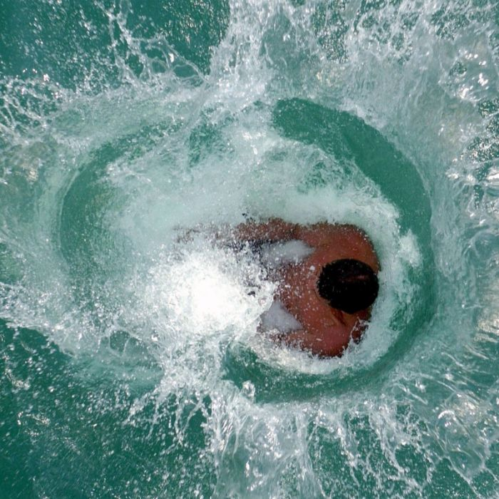 Mädchen (15) in Thüringen ertrunken - so helfen Sie bei Badeunfällen richtig! (Foto)
