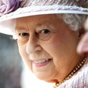 Nipplegate! The Queen is not amused (Foto)