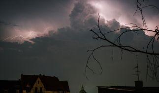 Unwetter-Walze rollt durch Deutschland. (Foto)