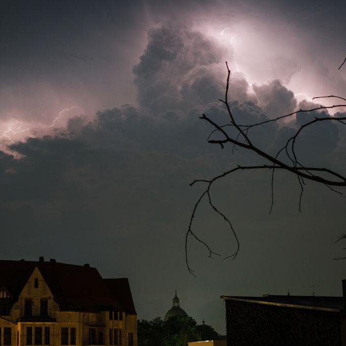 Achtung, Unwetter! HIER drohen schwere Gewitter (Foto)