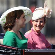 Gräfin Sophie (r) und Prinzessin Eugenie
