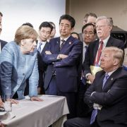 Harte Worte! Merkel droht Trump nach geplatztem G7-Gipfel (Foto)