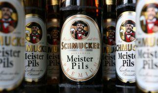 Die Brauerei Schmucker ruft vorsorglich eines ihrer Biere zurück (Archivbild). (Foto)