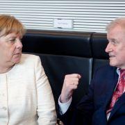 Horst Seehofer droht Merkel im Asylstreit mit Alleingang (Foto)