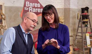 """Horst Lichter und Dr. Heide Rezepa-Zabel bei """"Bares für Rares"""" (Foto)"""