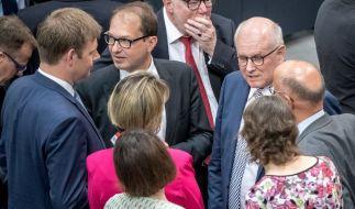 Der Bundestag hat eine Neuregelung des Familiennachzugs für Flüchtlinge beschlossen. (Foto)