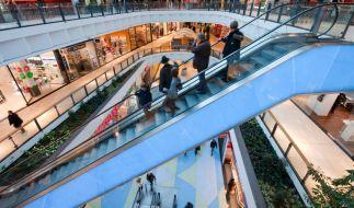 In China reißt eine Rolltreppe in einem Einkaufszentrum einem Jungen die Vorhaut ab. (Symbolbild) (Foto)