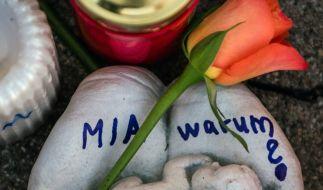 Die Stadt Kandel trauert um die 15-jährige Mia, die ermordet wurde. Nun beginnt der Prozess. (Foto)