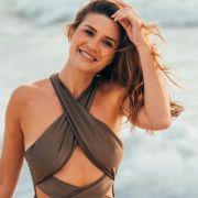 """Scharfer Einteiler! HIER verzückt die neue """"Bachelorette"""" mit sexy Bikini-Figur (Foto)"""
