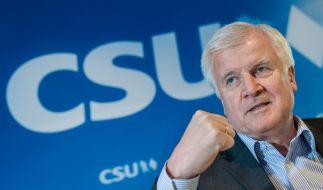Horst Seehofer im Streit mit Angela Merkel - Was würde passieren, wenn die CSU sich abspaltet? (Foto)
