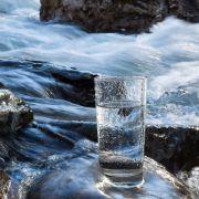 5 Tipps! So schaffen auch SIE es, mehr Wasser zu trinken! (Foto)