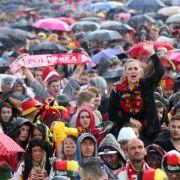 Public Viewing in Gefahr! Neue Kaltluft bringt Regen und Gewitter (Foto)
