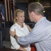 Nach dem Überfall kümmert sich Alexander (Clemens Löhr) rührend um die schwangere Maren (Eva Mona Rodekirchen).