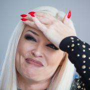 Daniela Katzenberger nimmt hämische Kommentare mit Humor. (Foto)