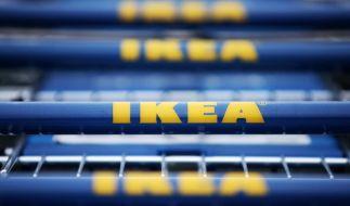 In einem amerikanischen IKEA-Möbelhaus findet ein Kind eine geladene Waffe in der Sofaritze eines Sofas und ballert los. (Foto)