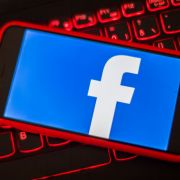 Kosten Facebookgruppen jetzt bald Geld? (Foto)