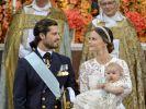 Prinz Carl Philip mit Prinzessin Sofia von Schweden und ihrem ersten gemeinsamen Sohn Prinz Alexander. (Foto)