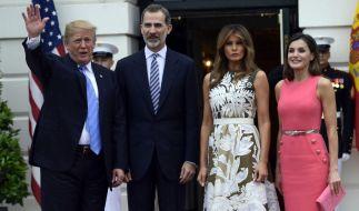 Spaniens König Felipe VI. ist mit seiner Ehefrau Königin Letizia zu einem Besuch bei Melania und Donald Trump im Weißen Haus in Washington eingetroffen. (Foto)