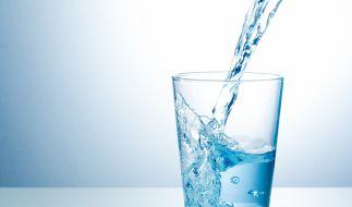 Wasser sieht man nicht immer an, ob es noch unbedenklich ist oder nicht. (Foto)