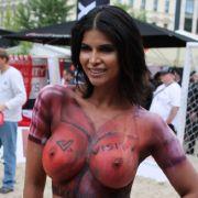 Versauter Lesben-WM-Porno mit Playmate Anastasiya (Foto)