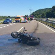 Auto brettert in Motorrad! Junge (13) stirbt auf Autobahn (Foto)