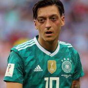 Echt jetzt? Hier lacht er das WM-Aus einfach weg (Foto)