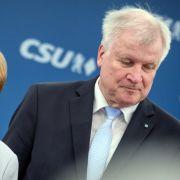Seehofer bleibt im Amt! CDUund CSU raufen sich zusammen (Foto)