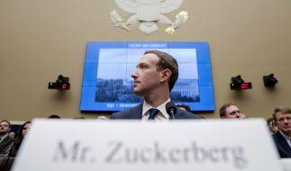 Facebook-Chef Mark Zuckerberg sitzt vor einer Anhörung des Energie- und Handelsausschusses des US-Repräsentantenhauses im Kapitol. (Foto)