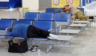 Wenn ein Flug annulliert wird oder sich um mehr als drei Stunden verspätet, steht Passagieren nach EU-Recht eine Entschädigung zu. (Foto)