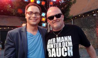 Neben Matthias Opdenhövel wird die irre Ähnlichkeit von Comedian Markus Krebs (r) zu Stefan Raab richtig offensichtlich. (Foto)