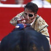 Horror-Video! Stier skalpiert einäugigen Torero (Foto)