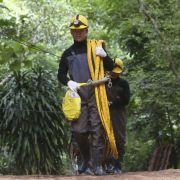 Während der Vorbereitung der Rettungsaktion ist ein Taucher gestorben.