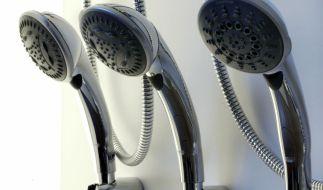 Vier Angreiferinnen sterilisieren in Russland eine junge Frau mit einem Duschschlauch. (Symbolfoto) (Foto)
