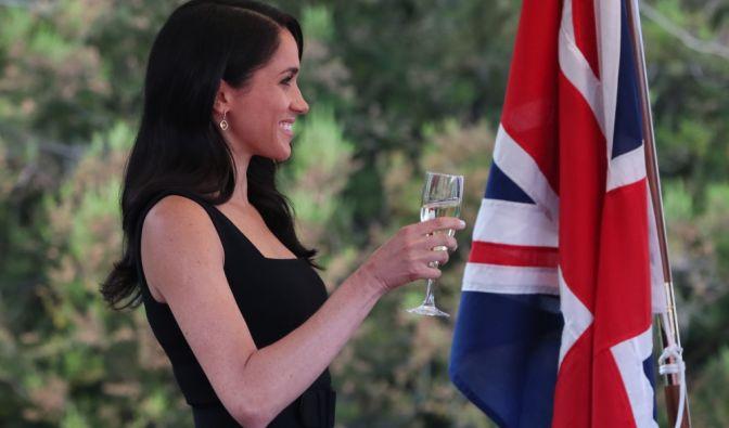 Herzogin Meghan nimmt im Rahmen ihrer Dublin-Reise an einer Sommer-Party im Glencairn House teil.