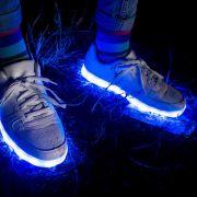 Leuchtende Schuhe sorgten bei einem neunjährigen Jungen für schwere Verletzungen. (Symbolbild)
