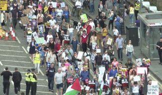 Nach Massenprotesten in London
