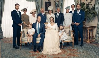 V.l.n.r.: Prinz George, Prinz William, Herzogin Kate, Prinz Louis, Prinzessin Charlotte, Prinz Harry, Herzogin Meghan, Herzogin Camilla, Prinz Charles, Carole Middleton, Michael Middleton, Pippa Matthews, James Matthews und James Middleton. (Foto)