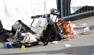 In Gaggenau, Baden Württemberg, tötet ein Autofahrer eine Oma und ihren 7 Monate alten Enkel. (Symbolfoto) (Foto)