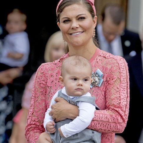Prinz Oscar schon verliebt - doch nicht in Mama Victoria (Foto)