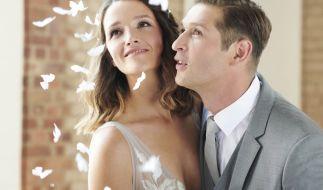 """""""Alles was zählt"""" ist für Jenny Steinkamp (Kaja Schmidt-Tychsen) und Deniz Öztürk (Igor Dolgatschew) die Ehe - in der 3000. Folge von """"AWZ"""" wird geheiratet! (Foto)"""